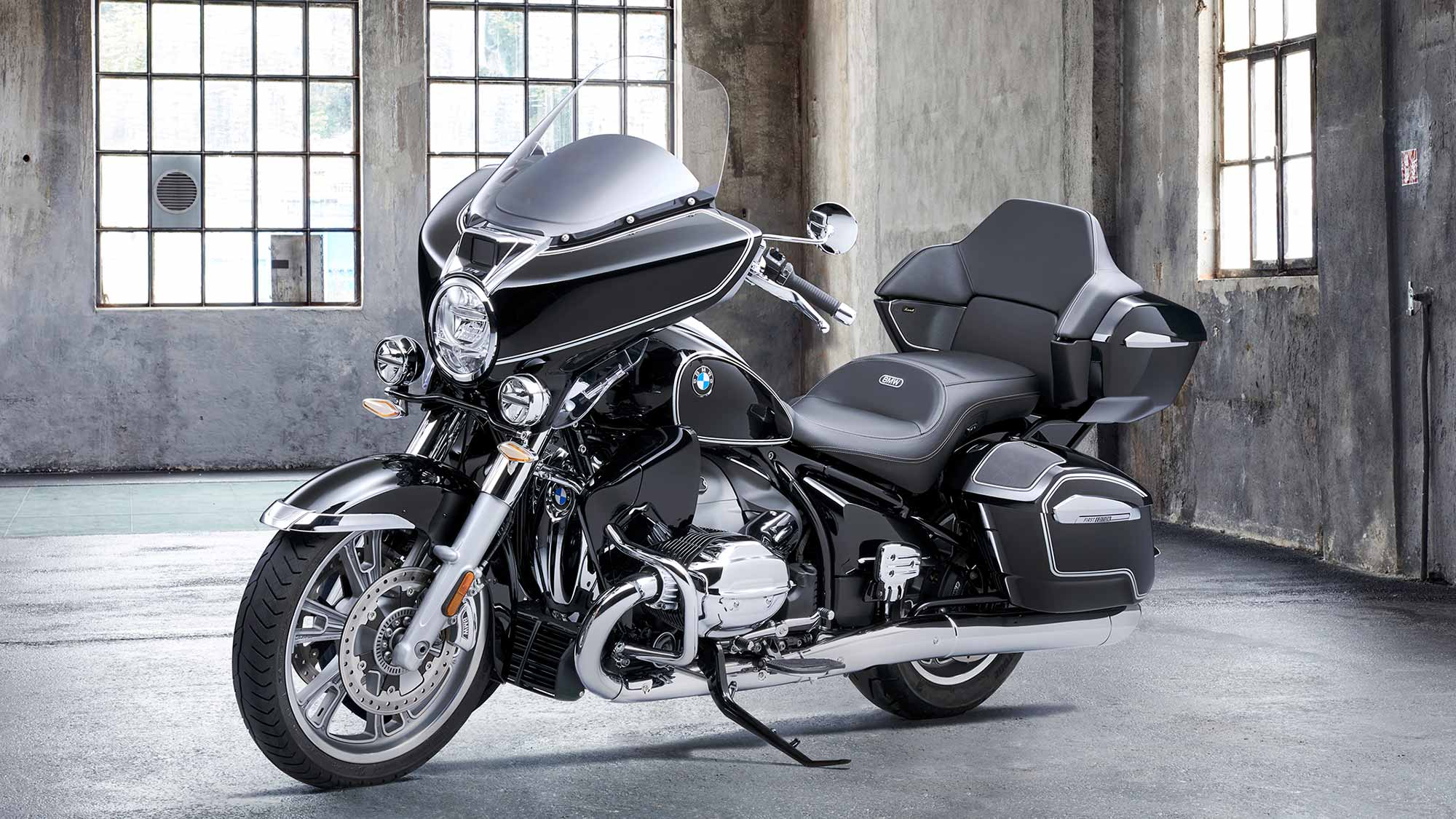 2022 BMW R 18 Transcontinental Motorcycle