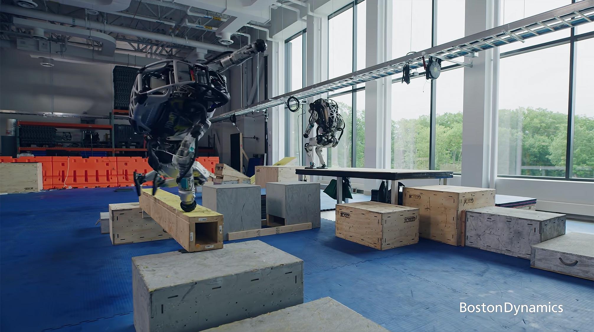 Boston Dynamics Atlas Robots Parkour Routine