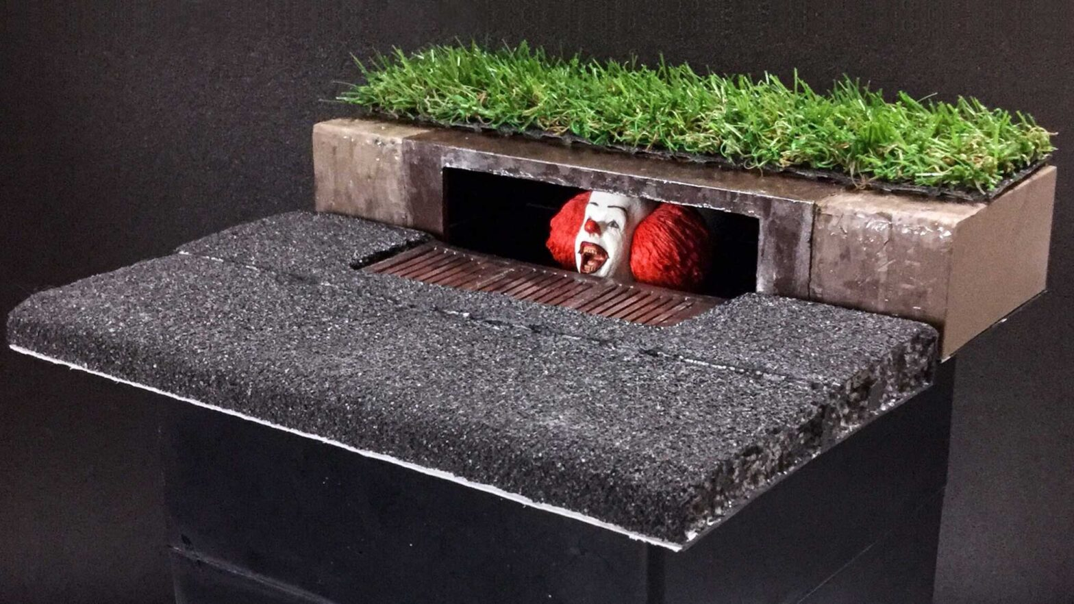 DIY Pennywise Sewer-lurking Scene