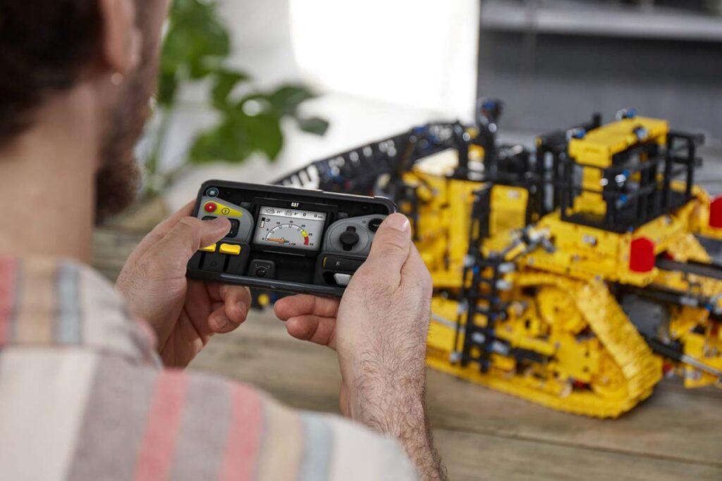 LEGO Technic App-controlled Cat D11 Bulldozer