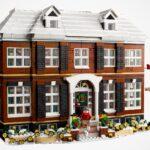 LEGO Ideas 21330 <em>Home Alone</em> Has 3,955 Pieces And LEGO Light Brick Element