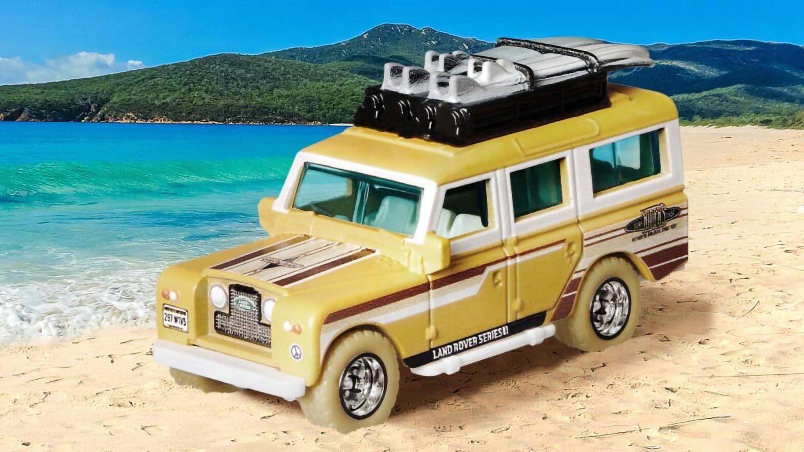 Matchbox '65 Land Rover Gen II Safari Die-cast Car