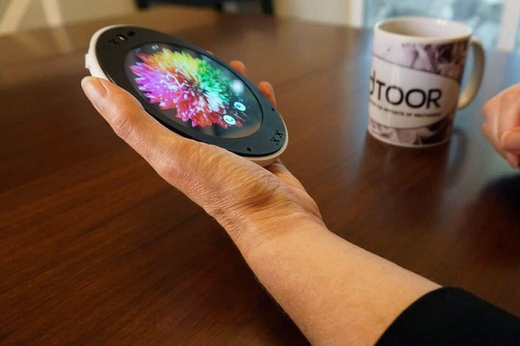 The Cyrcle Phone 2.0 Is An Oval Shape Android Phone